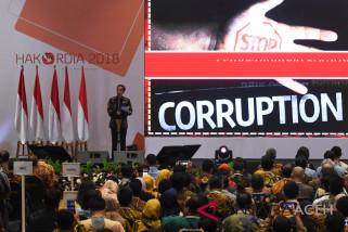 Demokrasi mengikis korupsi