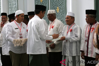 Presiden serahkan sertifikat tanah di Baiturrahman