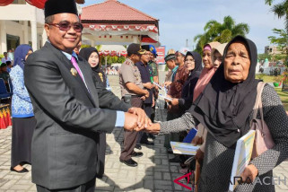 6.893 warga miskin di Aceh Barat terima voucher listrik