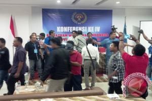 Konferensi PWI Maluku Utara Diwarnai Adu Jotos