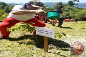 Pangdam Pattimura Ajak Wartawan Tanam Pohon