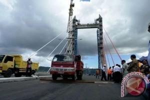 Gubernur Maluku Saksikan Pengujian Ketahanan Bentangan JMP