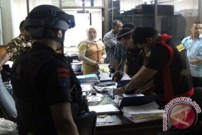 Jaksa Geledah Bank Maluku