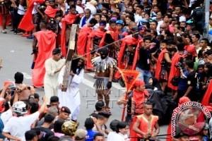 Gubernur: Jalan Salib Manifestasi Iman Kristiani