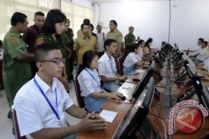 Sekda Maluku Buka Ujian Nasional di Ambon