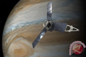 NASA'S Juno Spacecraft Loops Into Orbit Around Jupiter