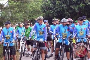 Pangdam Pattimura Bersepeda Kelilingi Nusalaut
