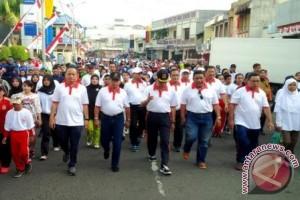 Karyawan Asabri Jalan Santai Meriahkan HUT Kemerdekaan