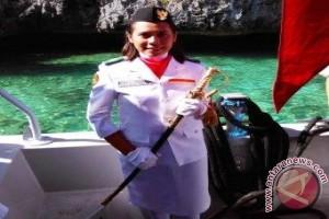 Maria Kibarkan Merah Putih di Pulau Terluar