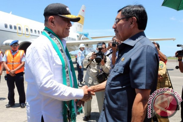Kunjungan Menteri Pertahanan di Ambon