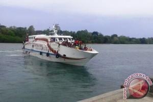 Arus Penumpang di Pelabuhan Watdek Meningkat