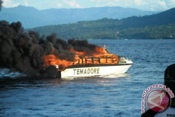 Speedboat Tujuan Ternate-Sofifi Terbakar