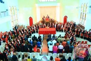 Bupati MTB Resmikan Gereja Ebenhaezer Saumlaki
