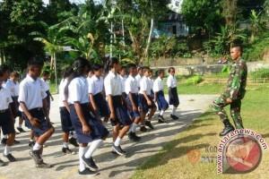 Satgas Yonif 734/SNS Bentuk Kedisiplinan Pelajar