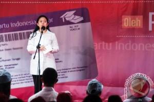 Menko PMK Puan Maharani Kunjungi Ambon