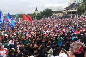 """Kampanye Akbar """"PANTAS"""" Dihadiri Ribuan Pendukung"""