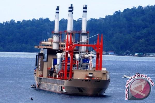 Kapal Pembangkit Listrik Tiba di Ambon