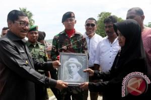 Kerangka Jenazah Alexander Patty Dimakamkan di Ambon