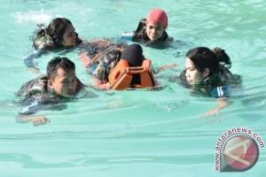 Lantamal IX Beri Pelatihan Evakuasi Medis Laut