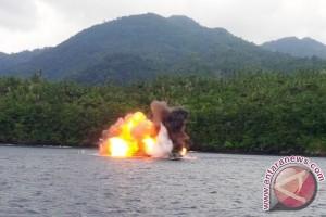 Lanal Ternate Tenggelamkan Dua Kapal Ikan