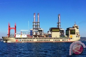 Kapal Pembangkit Listrik Karadeniz Beroperasi di Ambon