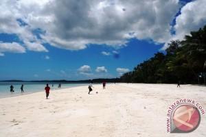 Muhaimin: Potensi Pariwisata Tual, Malra Luar Biasa