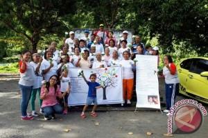 CCI Berbagi dengan Lansia Peringati Hari Kartini