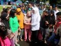 Mensos Khofifah Kunjungi Pengungsi Batu Koneng