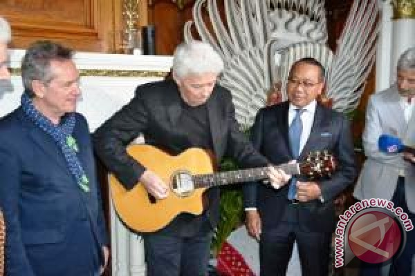 Gitar Buatan Indonesia Masuki Pasar Belanda