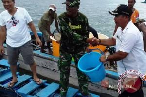 Nelayan Desa Samang Terima 1.600 Bibit Kerapu