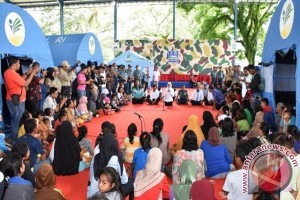 Mensos Khofifah Pulangkan Pengungsi Dusun Batu Koneng