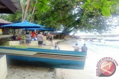 Objek Wisata Pantai di Ambon Sepi Pengunjung