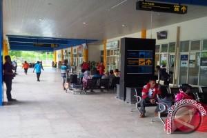 Aktivitas di Bandara Ternate Normal