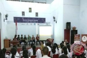"""Ilmuwan dan Peneliti """"Mangente"""" Sekolah di Ambon"""