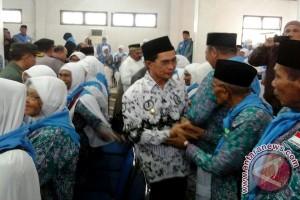 Wawali Ambon Lepas 336 Jamaah Calon Haji