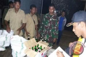 TNI/Polri di Taliabu Amankan Ratusan Botol Miras