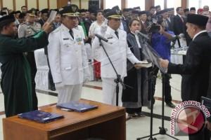 Gubernur Maluku Lantik Bupati- Wabup Maluku Tengah