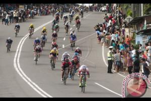 Balap Sepeda - Pebalap Asia Juarai Etape V TdM 2017