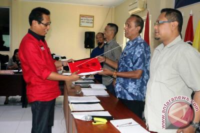 PDIP Daftar di KPU Ambon