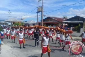 Karnaval Budaya Awali Festival Pesona Meti Kei