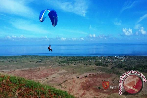 Survey Paralayang tentang SDA dan Potensi Wisata Pulau Moa