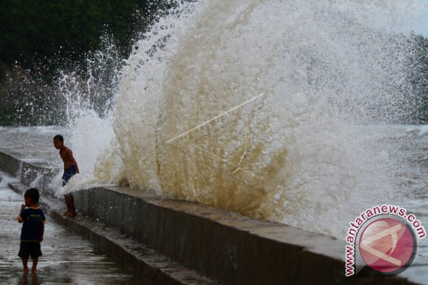 Nelayan Diimbau Waspadai Gelombang Tinggi di Arafura