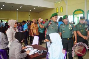 Ribuan Warga Antusias Ikut Baksos Kesehatan TNI