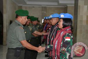 Kasdam Pattimura Lepas Satgas Yonkomposit TNI Konga