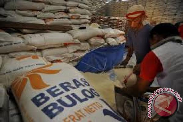 Bulog siapkan 70 ton beras ke MTB