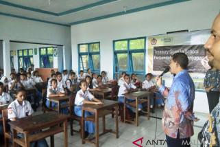 KPPN Saumlaki gelar treasury goes to school