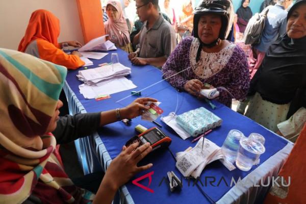 Warga miskin di Maluku terima BPNT