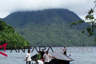 Pemkot diminta benahi jalan lingkar pulau Hiri