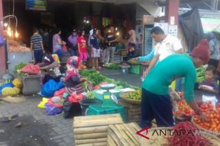Disperindag Ternate awasi pedagang musiman