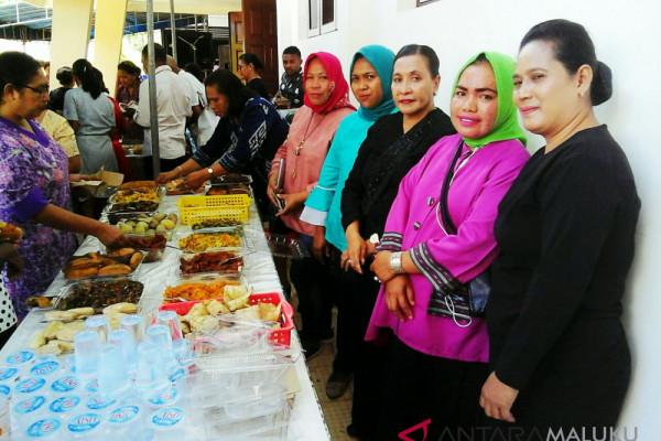 Warga muslim ikut meriahkan perayaan Kenaikan Kristus